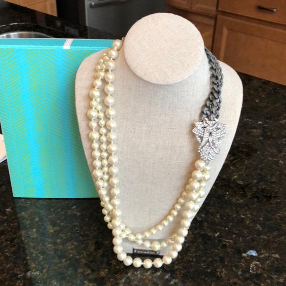 fece7a3a55286 Stella & Dot Daisy Pearl necklace